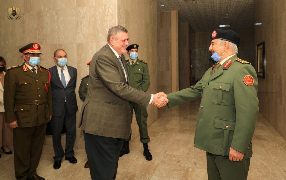 المبعوث الأممي إلى ليبيـا في ضيافـة حفتـر في بنغازي