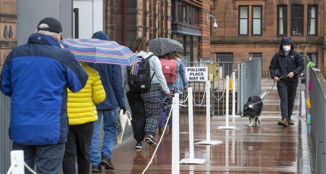 انتخابات محلية بريطانية باختبار مزدوج