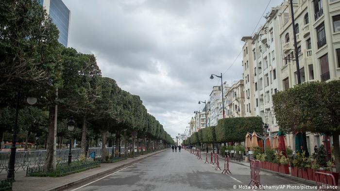 تونس تفرض إغلاقا تاما طوال أسبوع عيد الفطر
