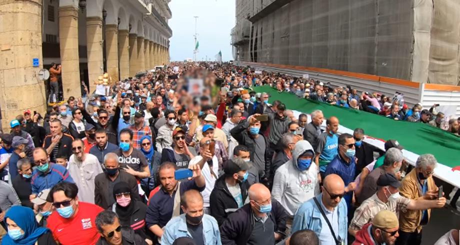 الجزائر.. مسيرات جديدة للحراك الشعبي للمطالبة بالتغيير الجذري