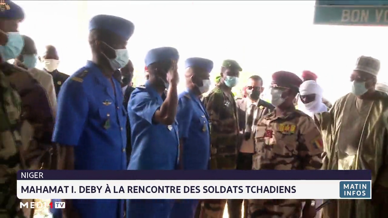 Mahamat I. Deby à la rencontre des soldats tchadiens