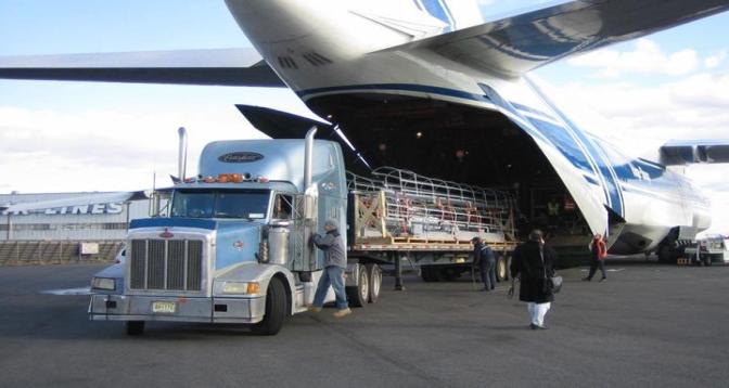 الطلب القوي على الشحن الجوي نقطة مضيئة لقطاع الطيران في العالم