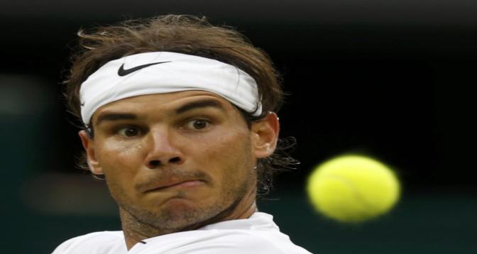 كرة المضرب: نادال ينجو وعبور ديوكوفيتش وتسيتسيباس وبارتي إلى ربع النهائي