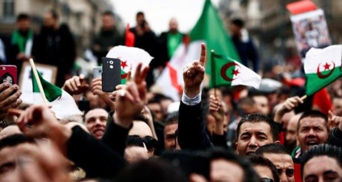 الجزائريون يتحدون القمع ويخرجون في مسيرات الجمعة 117 للحراك الشعبي