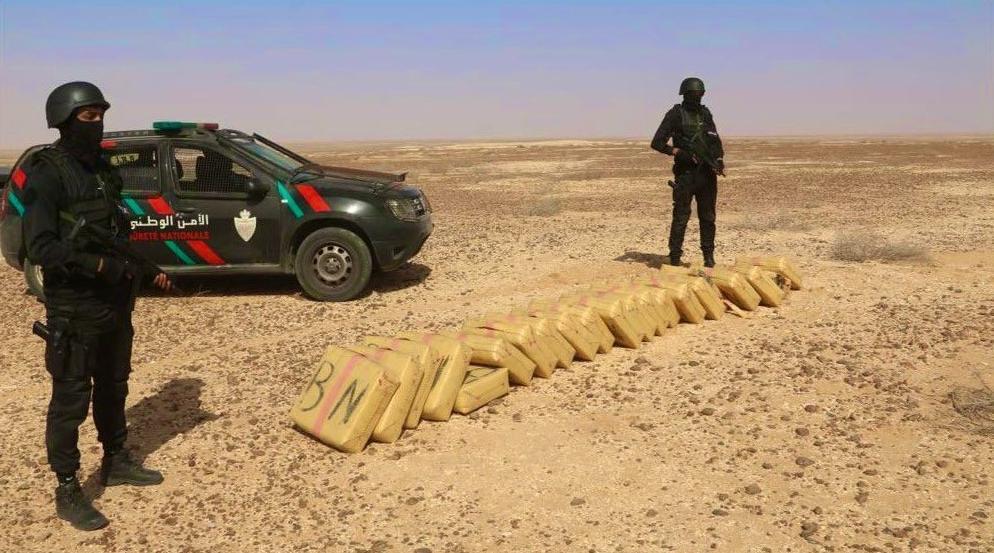 Mise en échec d'une tentative de trafic international de drogue et saisie de 1,264 tonne de chira à Boucraa et Gueltat Zemmour (DGSN)
