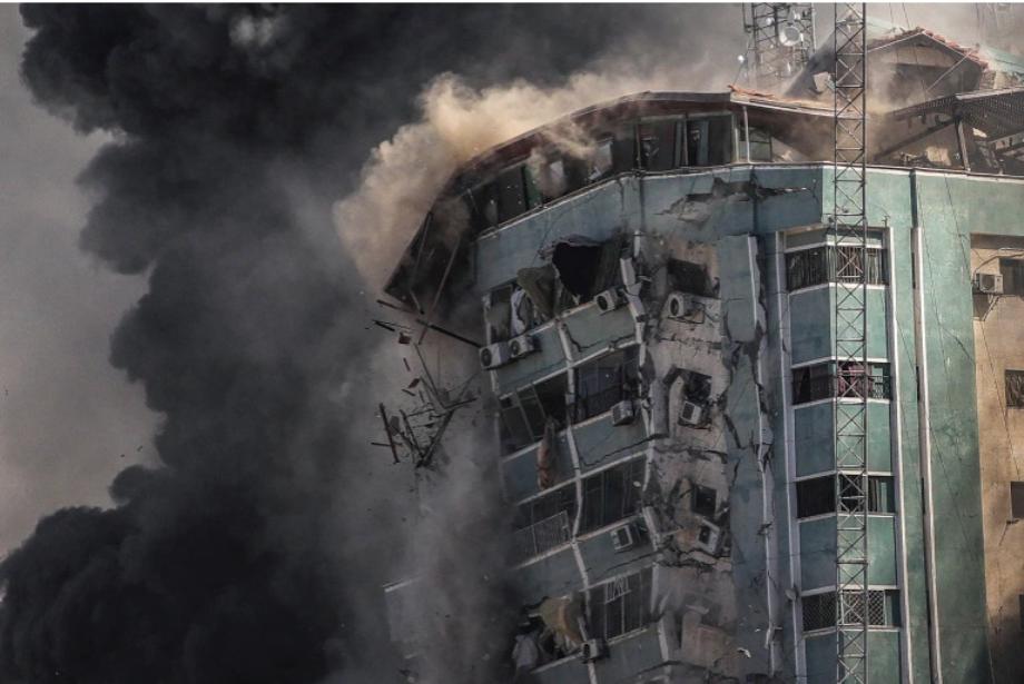 تدمير برج الجلاء في غزة، استهداف واضح للصحفيين