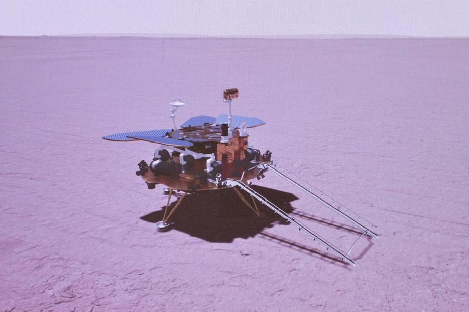 Le rover chinois envoie ses premières photos de Mars