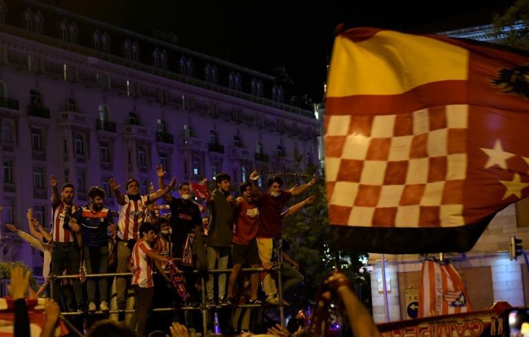 Espagne: les célébrations du titre de l'Atlético endeuillées par le décès accidentel d'un adolescent à Madrid