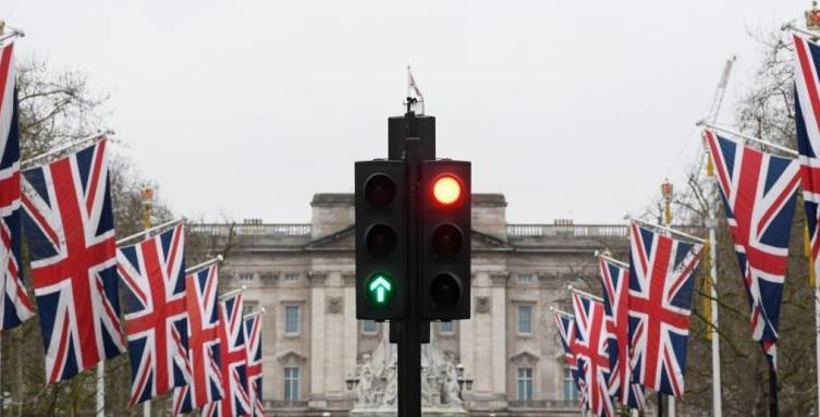 بريطانيا تشدد قيود المراقبة على الحدود لضبط الهجرة