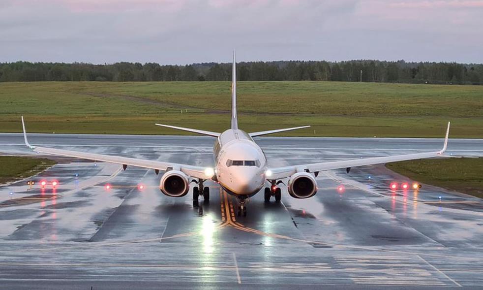 الاتحاد الأوروبي يقرر إغلاق مجاله الجوي أمام الطائرات البيلاروسية