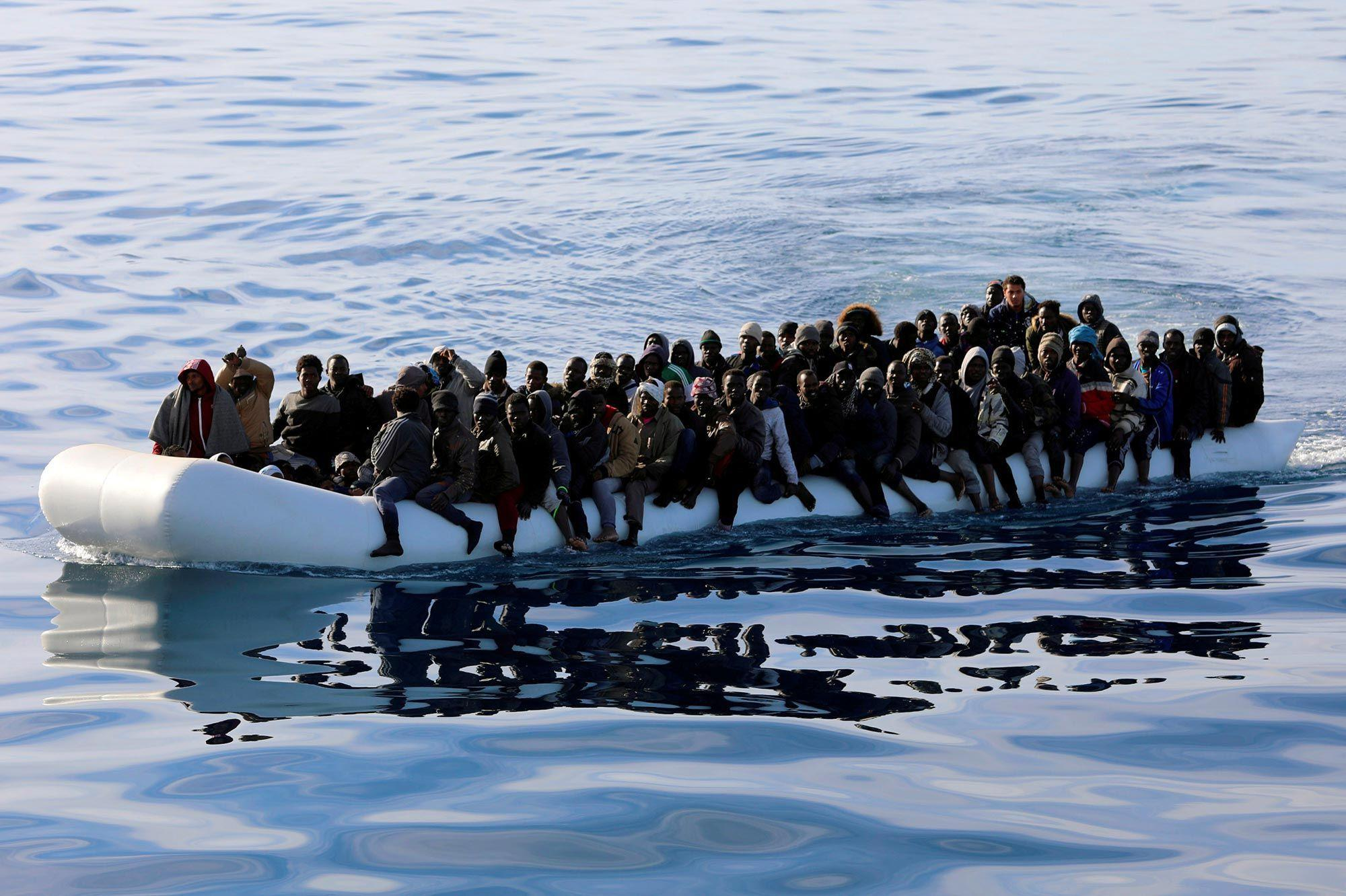 ليبيا.. اعتراض حوالي 500 مهاجر سري في ظرف 24 ساعة في البحر المتوسط