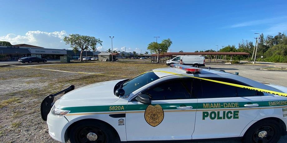 USA : au moins deux morts et une vingtaine de blessés dans une fusillade à Miami