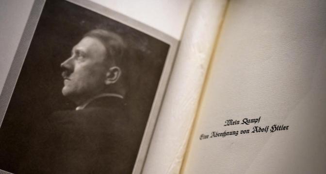 La version critique de « Mein Kampf » d'Adolf Hitler sort ce mercredi