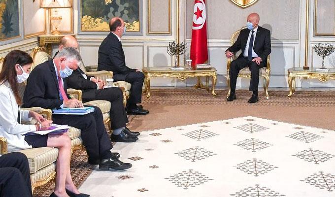 الوزير الأول الفرنسي في تونس لترؤس المجلس الأعلى للتعاون الثنائي