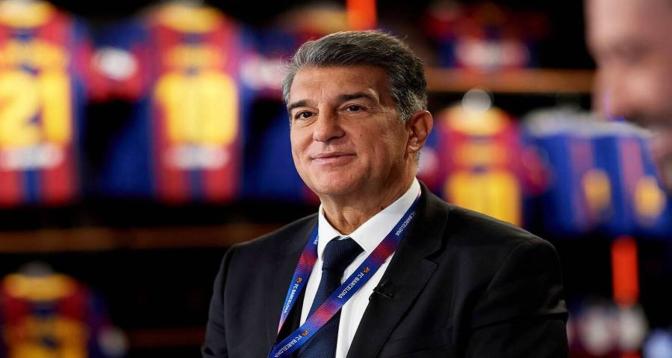 """رئيس نادي برشلونة يؤكد أن مشروع الدوري السوبر """"لا يزال على قيد الحياة"""""""