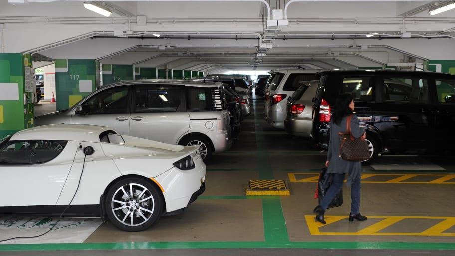 أغلى موقف سيارة في العالم بيع لقاء 1,3 مليون دولار في هونغ كونغ