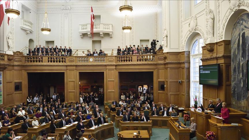 البرلمان الدنماركي يوافق على قانون إقامة مراكز استقبال للاجئين خارج البلاد