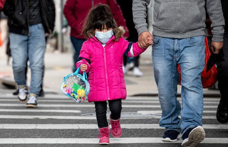 الصين...أول دولة في العالم تلقح الأطفال ضد كورونا