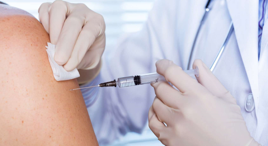 فرنسا .. 30 مليون شخصا تلقوا جرعة واحدة على الأقل من اللقاح