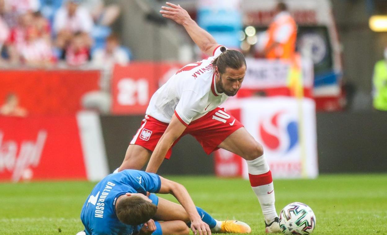 Euro: le Polonais Krychowiak reçoit le premier carton rouge du tournoi