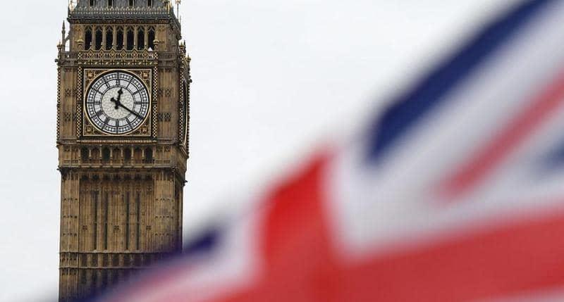 إنجلترا ترجىء لأربعة أسابيع رفع آخر القيود للحد من تفشي كورونا