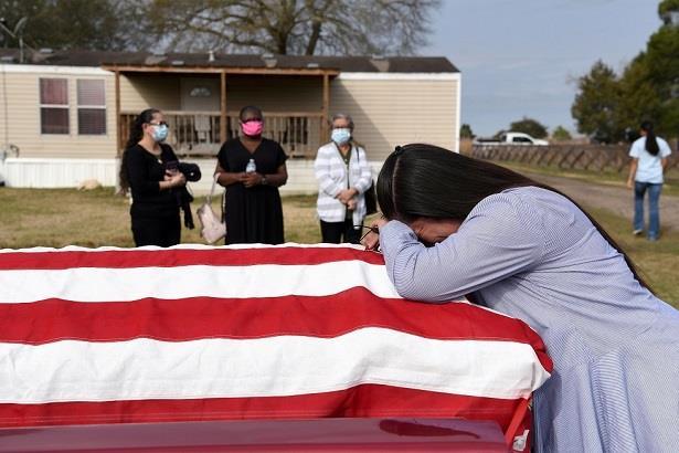 وفيات كورونا تتجاوز 600 ألف في الولايات المتحدة