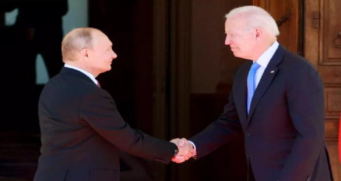 Biden et Poutine conviennent d'un retour des ambassadeurs à leurs postes respectifs