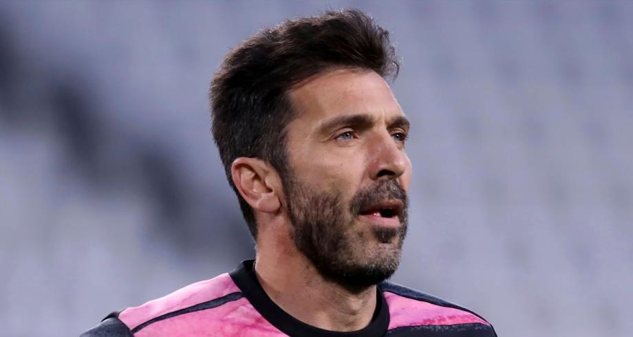 الأسطورة بوفون يعود لحراسة المرمى في الدوري الإيطالي