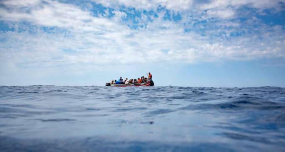 طانطان.. إنقاذ قارب على متنه 58 مغربيا مرشحا للهجرة السرية بينهم سيدة وقاصر