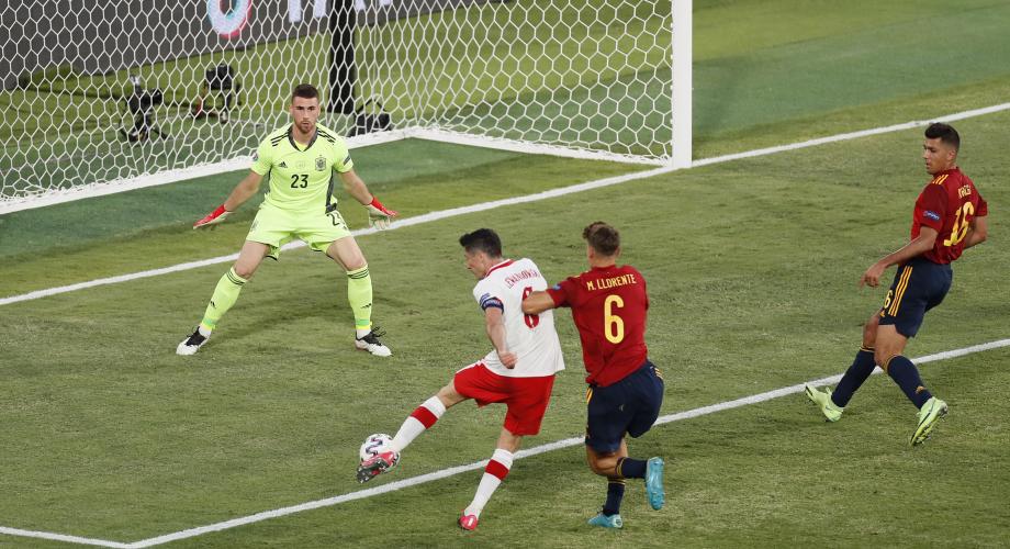 كأس أوروبا.. إسبانيا في موقف حرج بعد تعادل ثان أمام بولندا