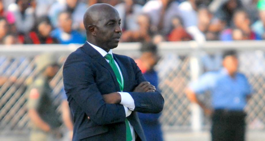 """""""كاس"""" تخفف عقوبة ايقاف مدرب نيجيريا السابق الى 5 سنوات"""