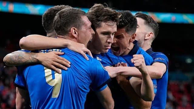 Euro: l'Italie peine mais s'offre un quart et un record contre l'Autriche