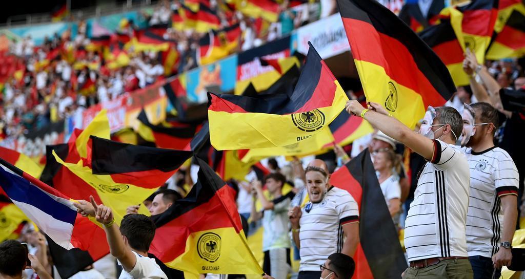 كأس أوروبا.. ألمانيا تطالب بخفض عدد الجماهير في الملاعب