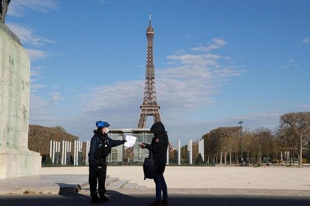"""""""كوفيد-19"""".. فرنسا تبدأ المرحلة الأخيرة من رفع تدابير الحجر الصحي"""