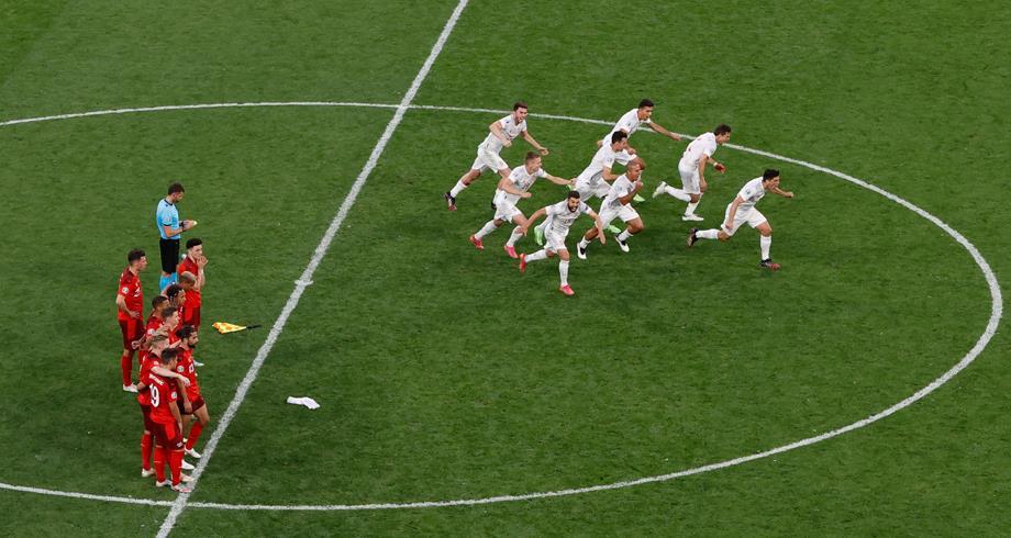 ركلات الترجيح تضع إسبانيا في نصف نهائي كأس أوروبا