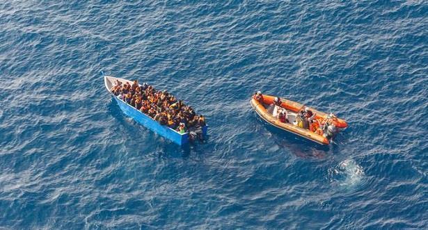 هجرة .. 14 قتيلا و43 مفقودا إثر انقلاب مركب بعرض السواحل التونسية