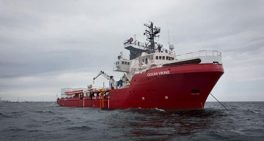 """""""أوشن فايكينغ"""" تنقذ 369 مهاجرا  كانوا على متن قارب في البحر المتوسط"""