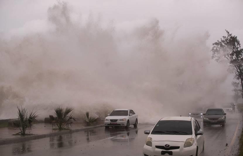 """إعلان حالة الطوارئ في ولاية فلوريدا استعدادا لمواجهة العاصفة """"إلسا"""""""