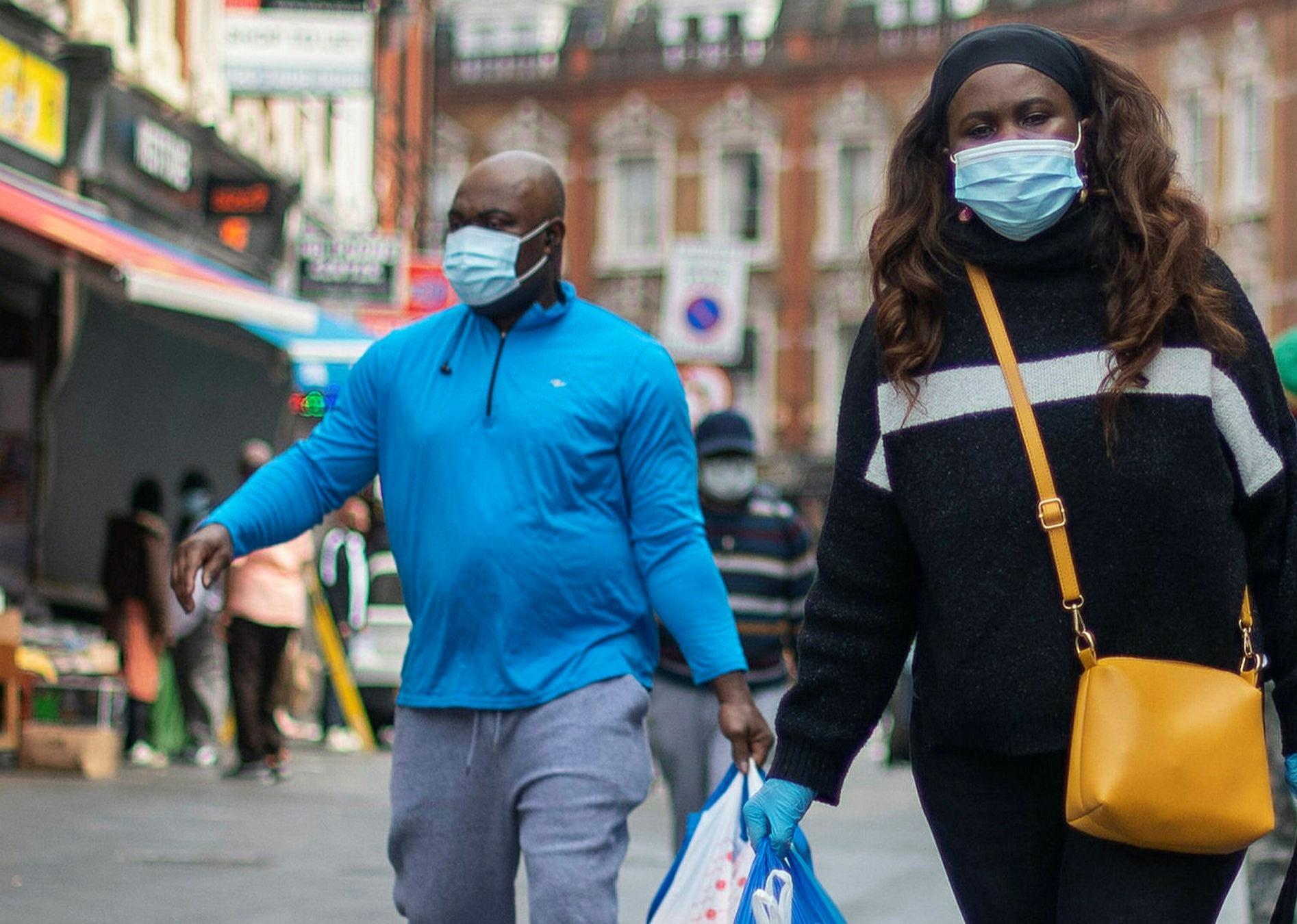 بريطانيا تسجل أعلى حصيلة يومية للإصابات بكوفيد-19 منذ 15 يناير الماضي