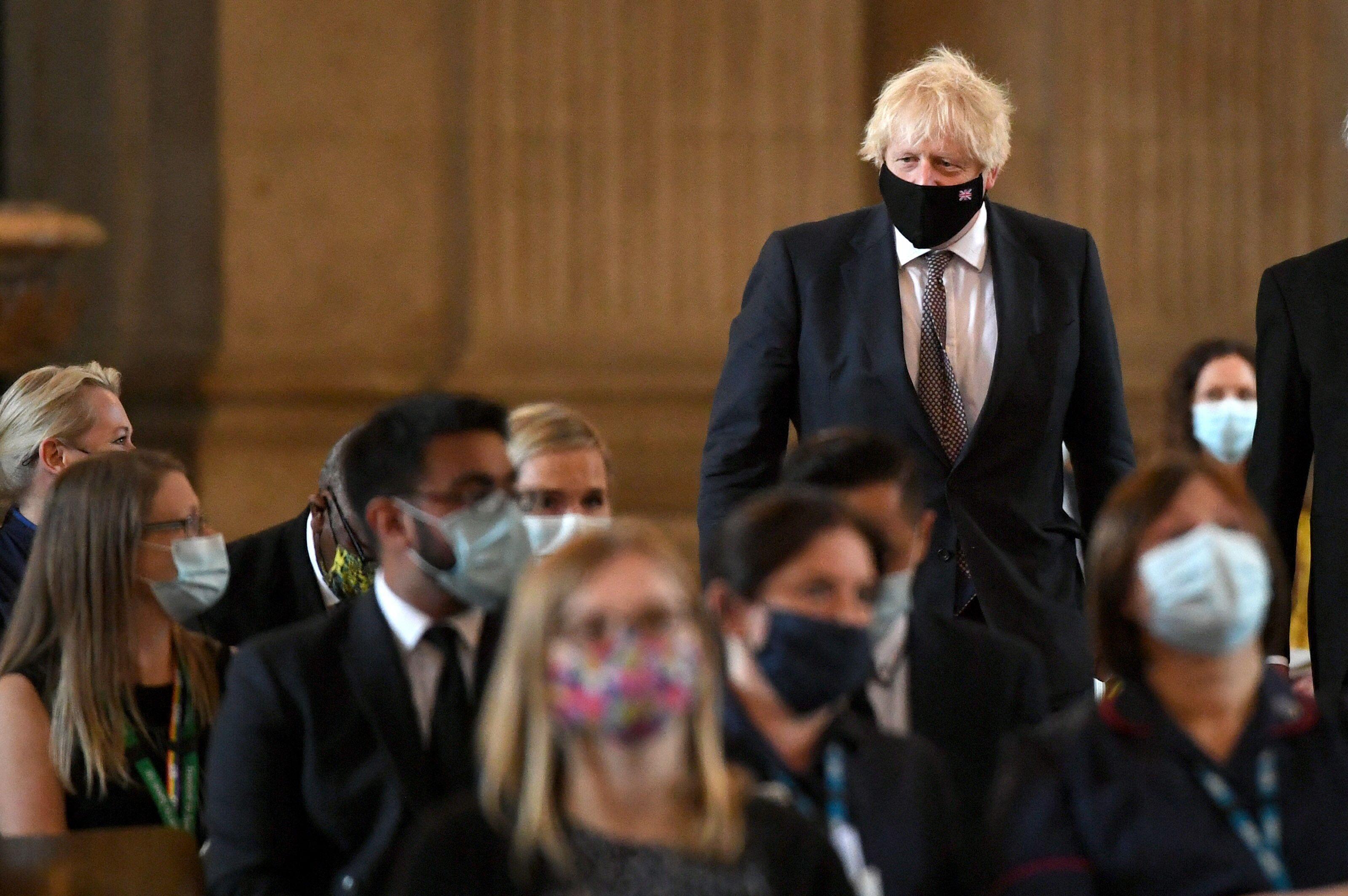 بوريس جونسون يعرض خططه لرفع آخر القيود الصحية في بريطانيا