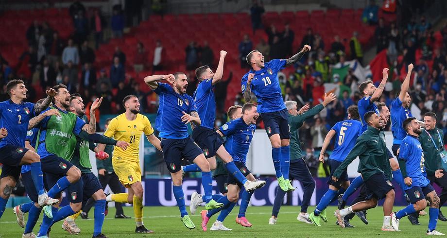 """الصحافة الإيطالية تشيد بإنجاز المنتخب """"أمسية ساحرة، نحن في النهائي"""""""