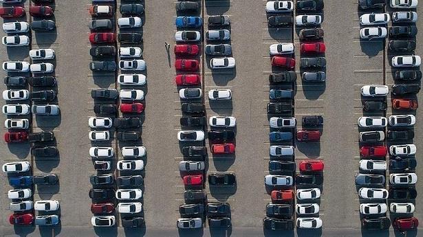 عقوبات أوروبية بمليار دولار على أربع شركات ألمانية للسيارات