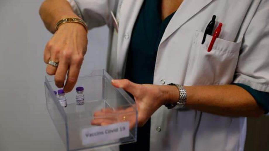 Covid-19: l'UE a suffisamment de doses pour vacciner 70% de sa population adulte (Ursula von der Leyen)