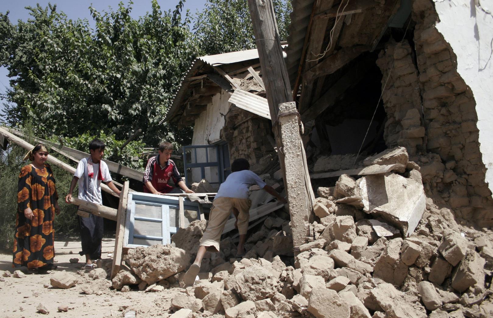مصرع خمسة أشخاص في زلزال ضرب شرق طاجيكستان