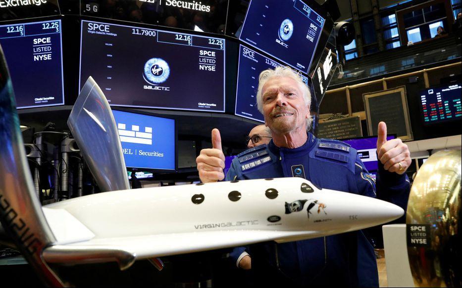 """ريتشارد برانسون ينطلق إلى الفضاء في رحلة لشركته """"فيرجن غالاكتيك"""""""