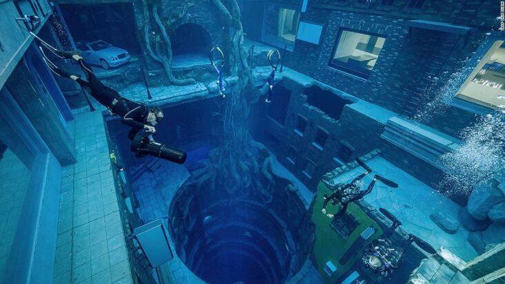 La piscine la plus profonde au monde s'ouvre à Dubaï