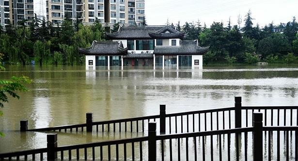 إجلاء آلاف الأشخاص بسبب فيضانات جنوب غرب الصين