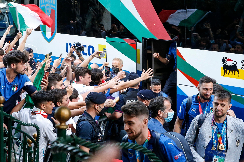 كأس أوروبا: المنتخب الايطالي المتوج يعود إلى روما