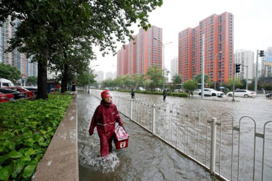 إلغاء رحلات وإغلاق مدارس في بكين بسبب عاصفة