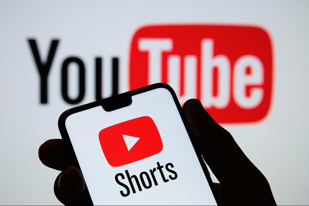 """خدمة """"يوتيوب شورتس"""" للفيديوهات القصيرة قريبا في مئة بلد"""